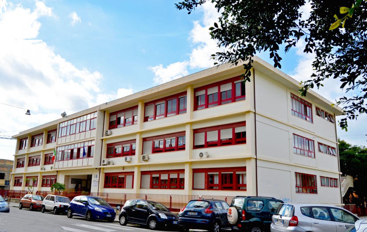 Scuola v. da Feltre